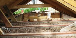 Утепление потолка керамзитом в частном доме