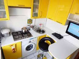 Как выбрать кухонный гарнитур для маленькой кухни?
